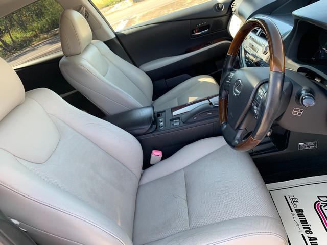 RX450h金融車運転席