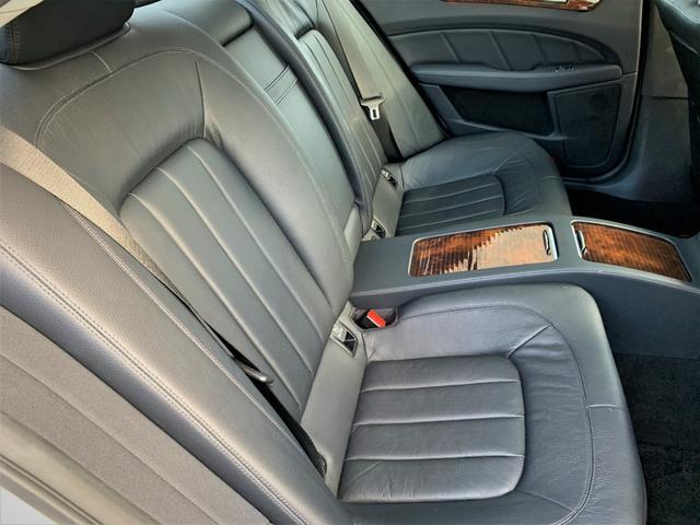 ベンツ,金融車,後部座席