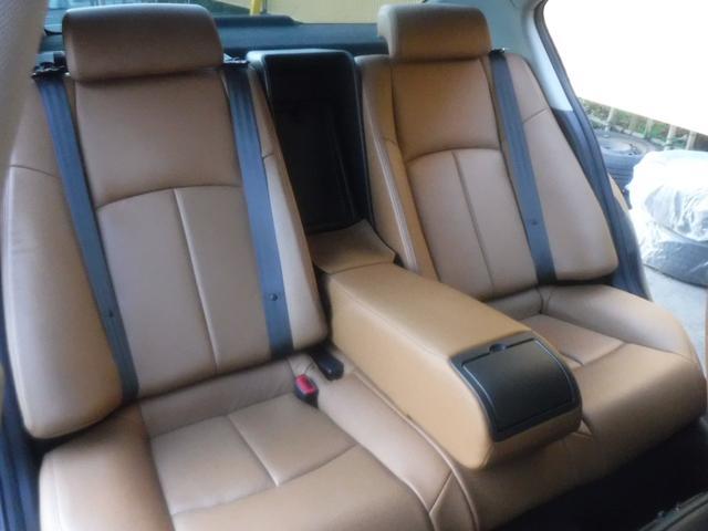 スカイライン,金融車,後部座席
