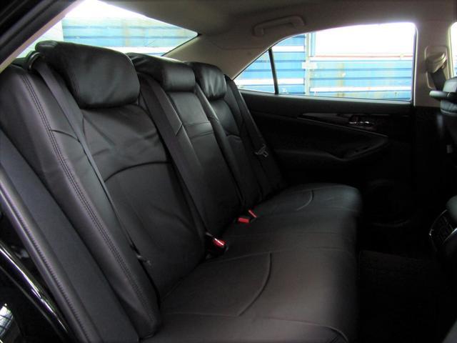 クラウン,金融車,後部座席