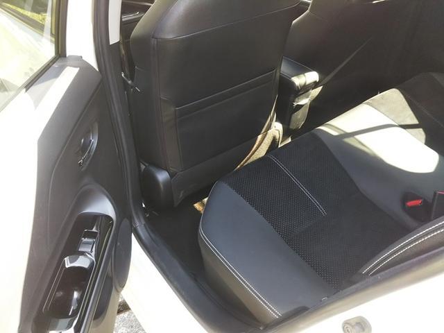 アクア,ローン車,後部座席
