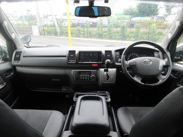 ハイエースロング、金融車、運転席