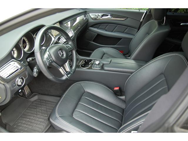 CLS350金融車、運転席