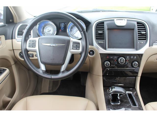 クライスラー,金融車,運転席