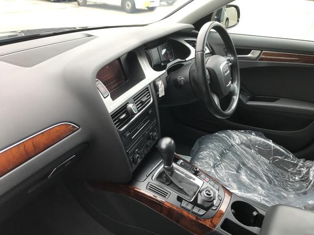 アウディA4,ローン車,運転席