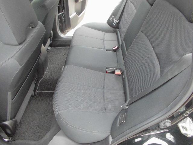 フォレスタ,ローン車,後部座席