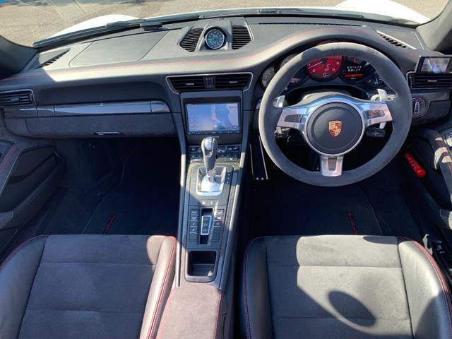 ポルシェ911金融車運転席