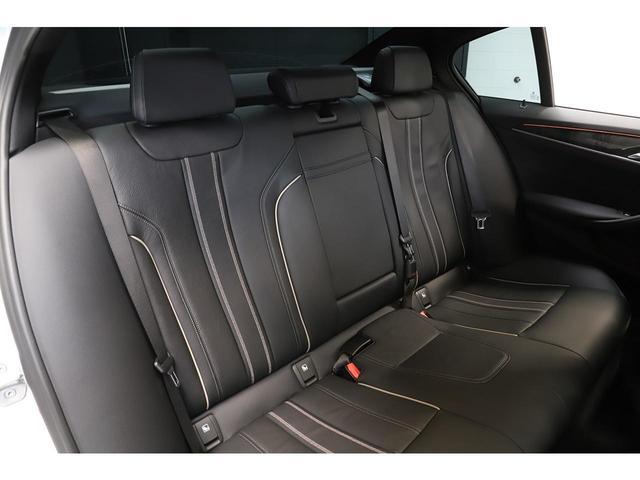 BMW5シリーズ金融車後部座席