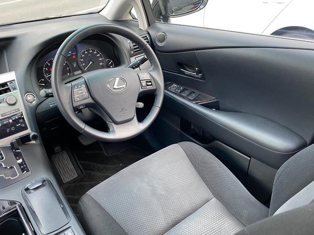レクサスRX270金融車、運転席